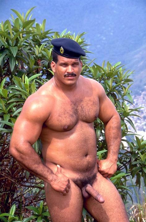 фото огромных голых мужиков